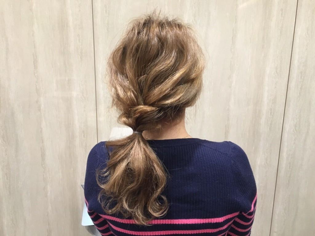 人気のヘアアレンジ「少し三つ編みウェーブヘア〜セミディ編〜」|CARE AOYAMA渡辺義明1