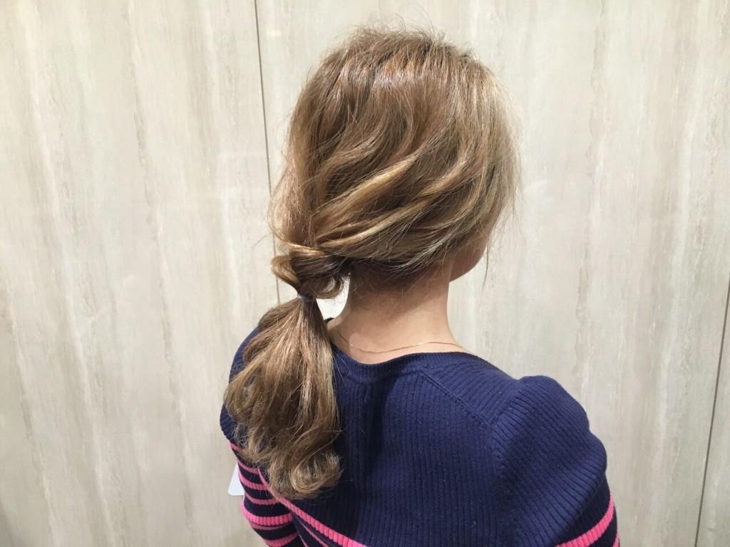 人気のヘアアレンジ「少し三つ編みウェーブヘア〜セミディ編〜」|CARE AOYAMA渡辺義明