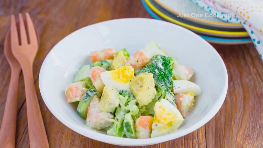茹でて和えるだけ!エビとブロッコリーのお手軽サラダレシピ|WOMAGAzine-ウーマガジン-