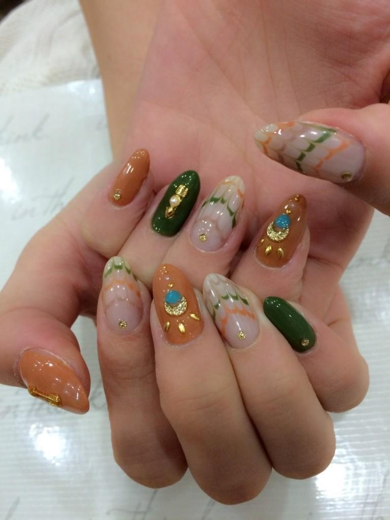 WOMAGAzine:nail6