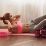 お腹周り&背中をスッキリさせる「骨盤底筋群」を鍛える1分間エクササイズ