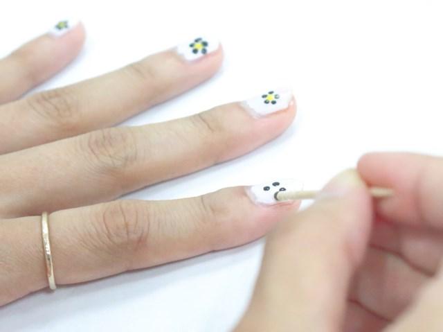 セルフネイル|ドットネイル|お花ネイル