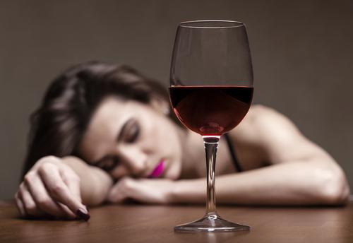 酒飲み女子|付き合いたくない|理由