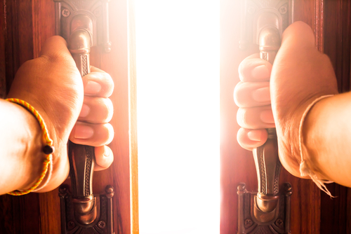 扉の向こう|考察