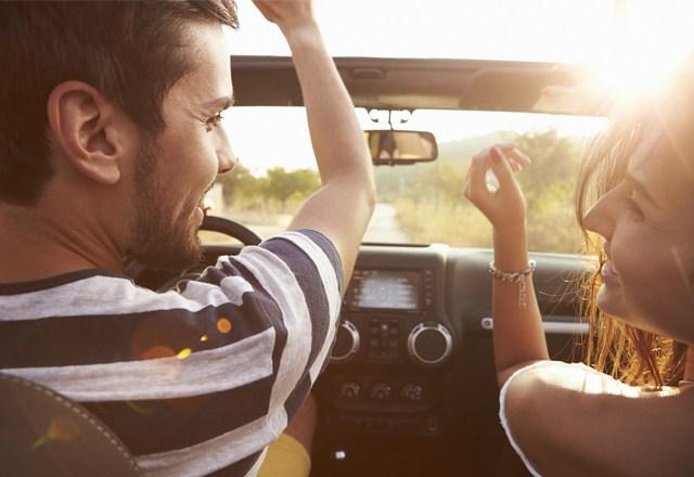 ドライブデート 話しかける
